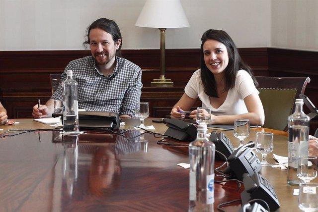 Miembros de Unidas Podemos se reúnen en la mesa política Confederal para las negociaciones de Gobierno en el Congreso de los Diputados