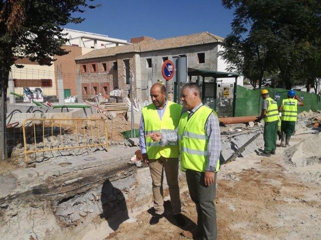 Granada.- La Diputación invierte más de 400.000 euros en la renovación de la calle principal de Otura