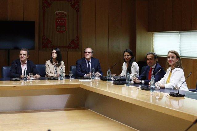 Reunión de los candidatos del PSOE y VOX a la Presidencia de la Comunidad de Madrid, Ángel Gabilondo y Rocío Monasterio