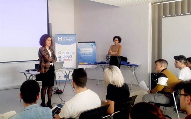 Erasmus Otorga 138 Becas De Movilidad En Huelva A