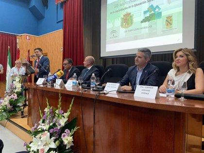 Reyes participa en el acto del 50 aniversario de la Educación Secundaria en Jódar (Jaén)
