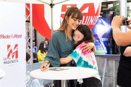 Aitana se encuentra con sus fans en Barcelona
