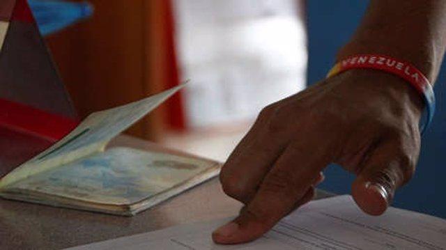 Venezuela anuncia que exigirá visado a los peruanos que quieran entrar al país a partir del 15 de junio