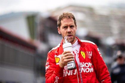 Vettel consigue la primera 'pole' de la temporada y Sainz saldrá noveno