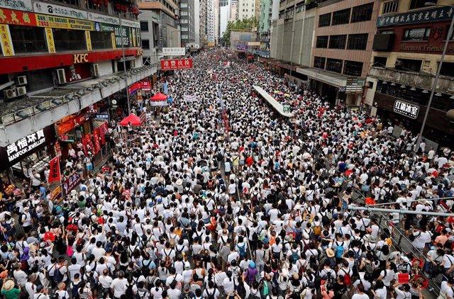China.- Hong Kong celebra una de las mayores protestas de su historia contra la propuesta de ley de extradición a China