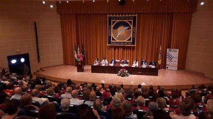 Más de 30 estudiantes de Alcalá de Guadaíra (Sevilla) se gradúan en el Aula Abierta de Mayores