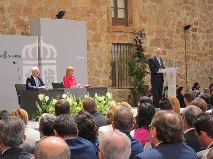 UNIR y CLA Pepe Eizaga reciben las Medallas de La Rioja como reconocimiento a su esfuerzo y gran labor diaria