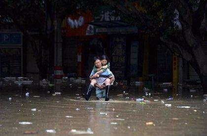 Seis muertos y 88.000 desplazados por inundaciones en el este de China