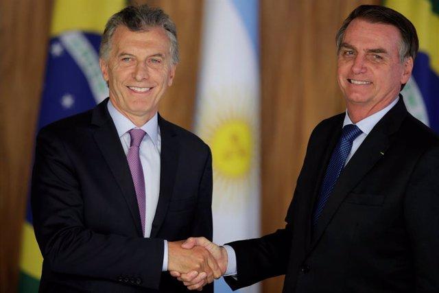 Bolsonaro llega a Argentina para reunirse con Macri en plena campaña electoral