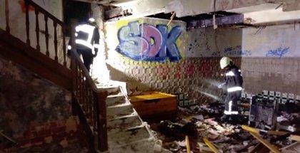 Se incendia una casa abandonada de Laredo tras iniciarse el fuego en un colchón