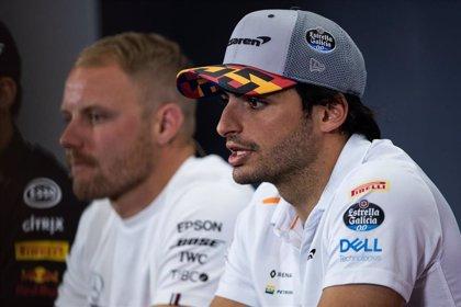 """Sainz: """"La carrera se nos ha hecho cinco o diez vueltas más larga"""""""