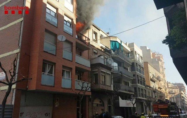 Successos.- Tres ferits en l'incendi d'un pis a Lleida