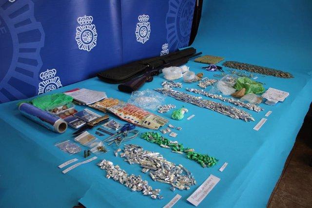 Almería.-Sucesos.-Detenida una pareja acusada de regentar un punto de venta de drogas en el barrio de La Chanca