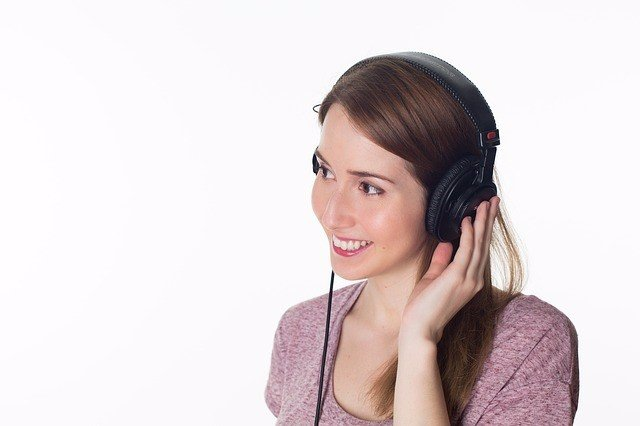 Escuchar música alivia el dolor y otros síntomas en pacientes con cáncer de mama