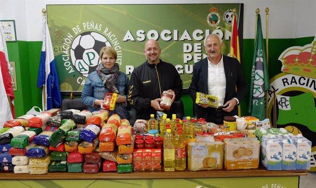 Las peñas del Racing recogen 240 kilos de alimentos antes del partido con el Fuenlabrada