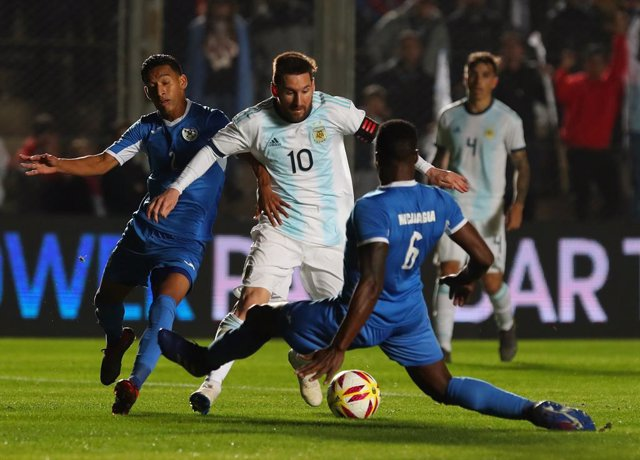 Argentina golea a Nicaragua con doblete de Messi