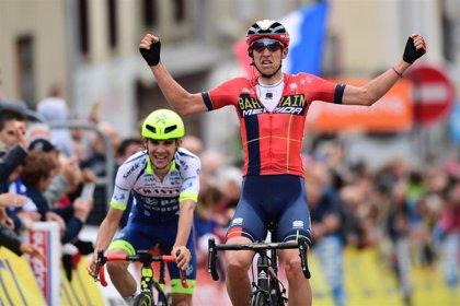 Teuns se lleva la segunda etapa y se viste de amarillo en el Critérium du Dauphiné