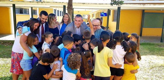 Cádiz.-Educación.- Andréu visita el programa 'El cole de las emociones' del CEIP Pedro Simón de La Línea