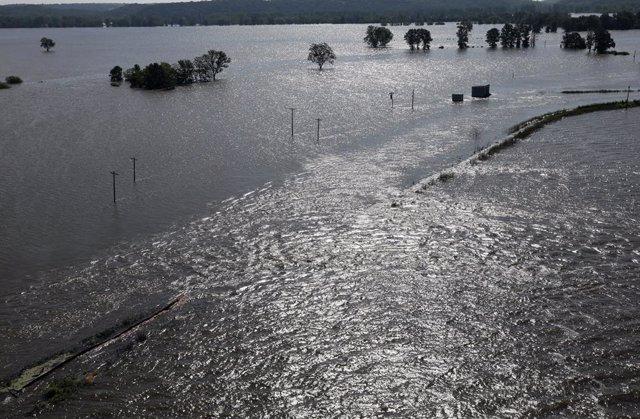 Mississippi River floods St Louis