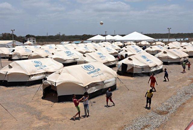 ACNUR alerta de que 20.000 niños venezolanos nacidos en Colombia podrían convertirse en apátridas