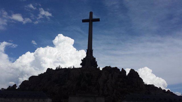 """Argüello dice que el prior """"aceptará"""" lo que diga el TS sobre la exhumación de Franco e instan a """"mirar adelante"""""""