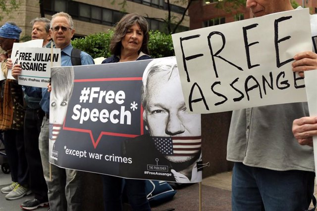 Supporters of Julian Assange protest in New York