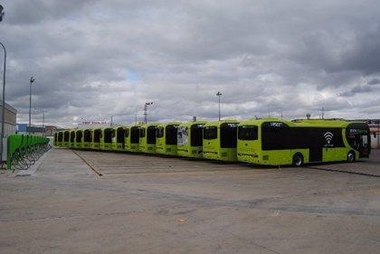 Los usuarios del autobús urbano bajan en abril en Extremadura un 6%, el mayor descenso nacional