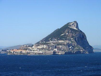 La Policía de Gibraltar detiene a tres españoles en una lancha en alta mar tras un aviso de la Guardia Civil
