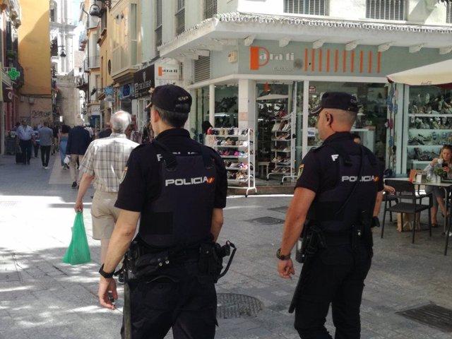 Málaga.- Sucesos.- Detenido por participar en el robo a un traficante, al que además esposaron y golpearon