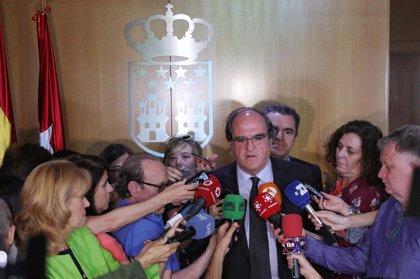 """Gabilondo anuncia un acuerdo de izquierdas para la Mesa pero reconoce que el que """"cuajará"""" será el de Vox, PP y Cs"""