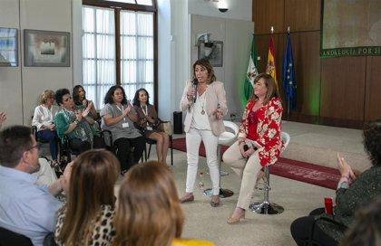 """Susana Díaz: Con el Presupuesto se verá si el Gobierno PP-Cs pasa """"por el aro y sigue atado"""" a Vox"""