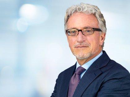 El doctor Martínez Grau ha sido elegido presidente de la Sociedad Española de Cirugía Plástica Ocular y Orbitaria