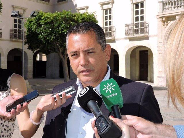 """Almería.-26M.-PSOE afea a Fernández-Pacheco (PP) que """"engañe"""" a almerienses porque tiene """"todo bien amarrado con Vox"""""""