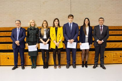 Un total de 24 estudiantes de grado reciben los Premios Extraordinarios de Fin de Estudios de la UPNA
