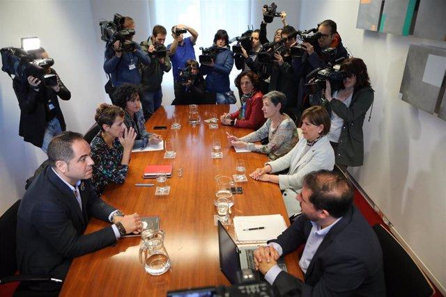 Finaliza la primera reunión entre Chivite y Barkos para buscar la formación de Gobierno en Navarra