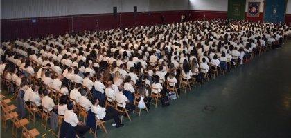Interior entrega los diplomas de los 832 nuevos funcionarios de prisiones y anuncia otros 900 en 2019
