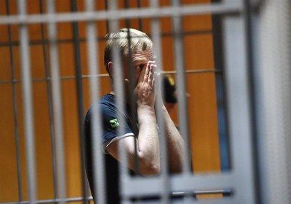 Liberado el periodista ruso Ivan Golunov tras ser suspendidos los cargos contra él