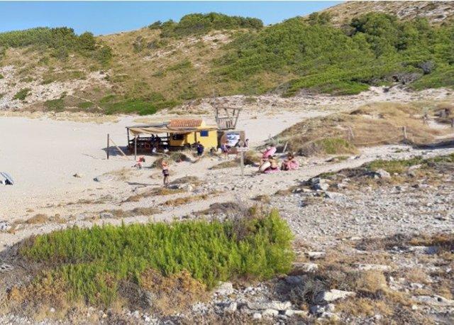 La demarcación de costas ordena el cierre del chiringuito de cala Torta por la extinción de la concesión