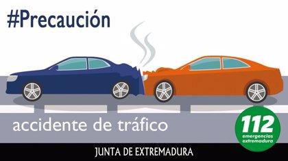 Tres personas resultan heridas leves en una colisión múltiple con cuatro turismos implicados en Badajoz