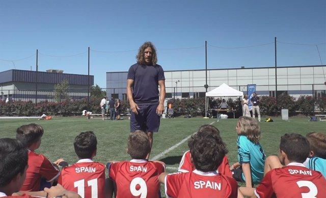 """Fútbol.- Carles Puyol, embajador de la Danone Nations Cup: """"Estoy encantado de ayudar a unir niños a través del fútbol"""""""