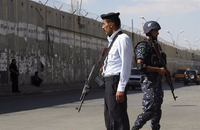 Policías palestinos