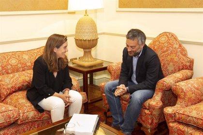 Xulio Ferreiro e Inés Rey mantienen un encuentro institucional de cara al traspaso de poderes