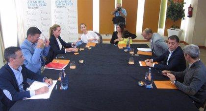 Cs y PP anunciarán mañana si pactan con CC o PSOE en Santa Cruz de Tenerife