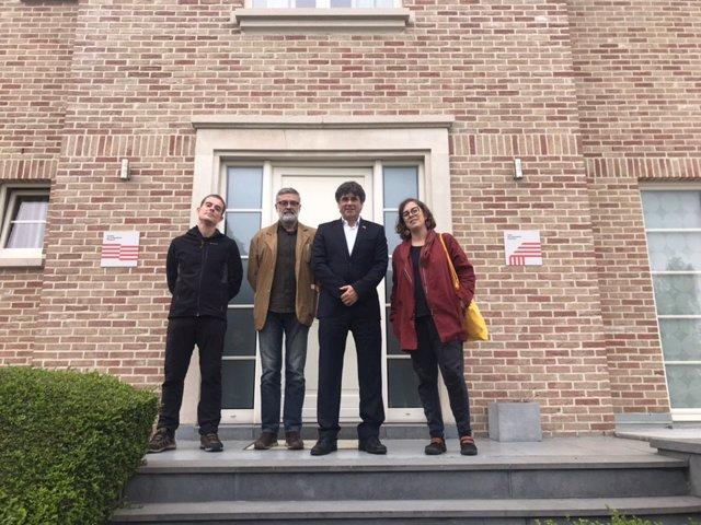 """La CUP transmet a Puigdemont la necessitat de """"desobeir"""" per exercir l'autodeterminació"""