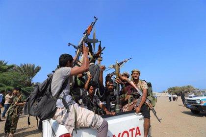Los rebeldes huthis lanzan un misil contra el aeropuerto saudí de Abha