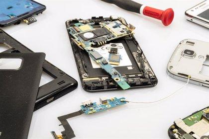 Según DondeReparo.com, en España se rompen más de 4 millones de móviles al año