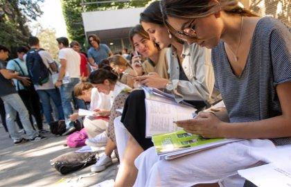 """Arranca la selectividad en Galicia con los nervios del primer momento y """"absoluta normalidad"""""""