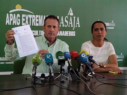 """APAG Extremadura Asaja abandona la mesa del convenio del campo mientras sus miembros no condenen la """"invasión"""" a su sede"""