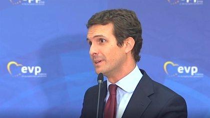 Casado pide al Gobierno que deje claro que rechaza que Junqueras y Puigdemont se acrediten como europarlamentarios