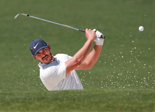 Golf/Campeonato PGA.- El estadounidense Koepka mantiene su amplia ventaja y roza la victoria en el Campeonato de la PGA